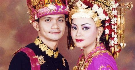 Tentang Baju Adat Aceh kumpulan foto model baju pengantin adat aceh modern