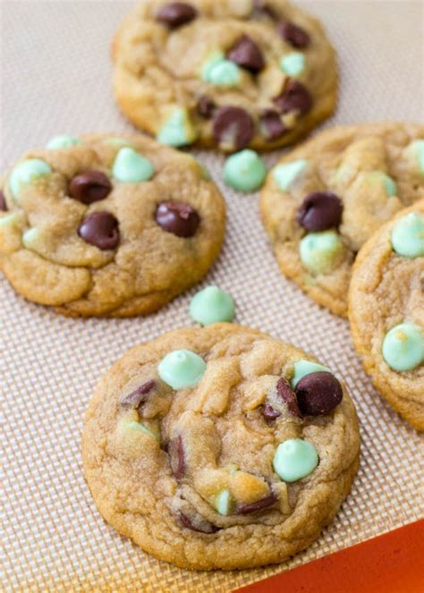 Keecake Chocochip Soft Baked Cookies soft baked mint chocolate chip cookies cookies mint chocolate chocolate chips
