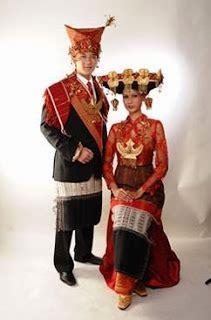 Baju Adat Tapanuli Utara 10 baju adat sumatera utara