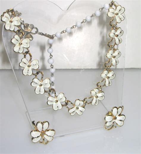 White Vintage Flower Necklace vintage coro white enamel flower necklace earring set so