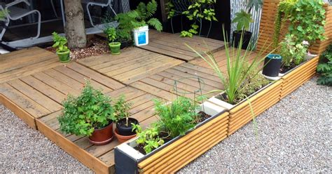 Patio Pots Pallets Pallets And More Pallets Raised Patio And Patio