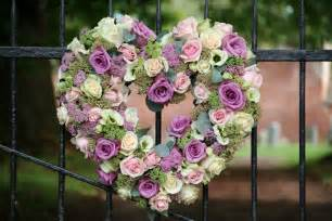 Decorating A Trellis For A Wedding Wedding Flower Inspiration Church Flowers The Rose Shed