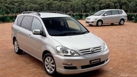 toyota yaris recall news airbag recall expands for toyota corolla yaris