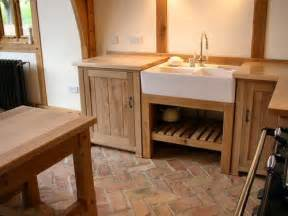 Click the picture above to see more pictures of this freestanding oak