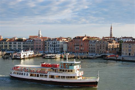 ferry venecia free lido ferry in venice stock photo freeimages