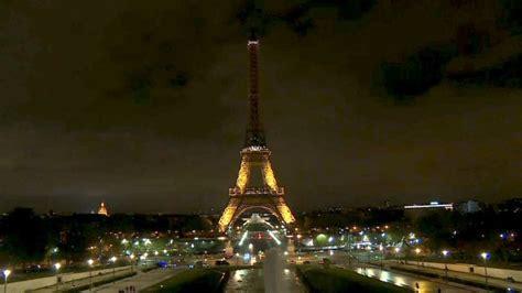 eiffelturm beleuchtung eiffelturm beleuchtung wird nach anschlag in russland