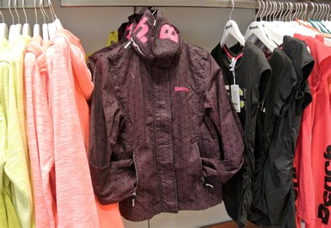 bench metrotown vancouver summer lifestyle looks from bench modern mix