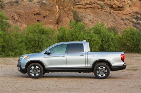 honda truck 2007 2017 honda ridgeline looks more truck like gets in bed