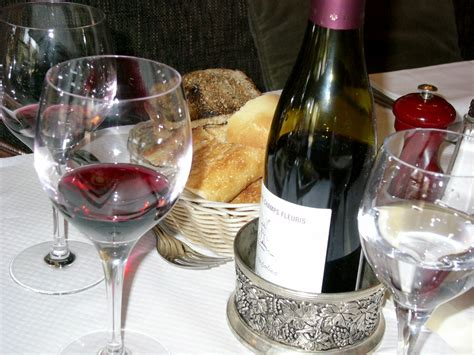 table wine what s the difference between table wine and regular wine food republic