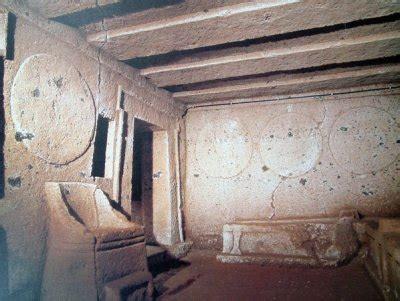 tomba degli scudi e delle sedie cerveteri rm