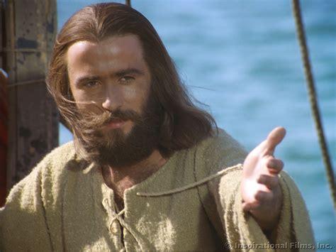 film jesus jesus changes lives in a restaurant mission network news