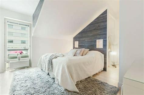hellgrauer teppich schlafzimmer dachschr 228 ge 33 ideen f 252 r den schlafbereich