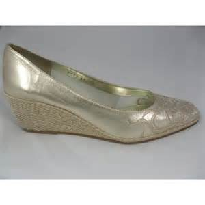 gold wedges shoes cefalu cefalu gold wedge cefalu from exquisite