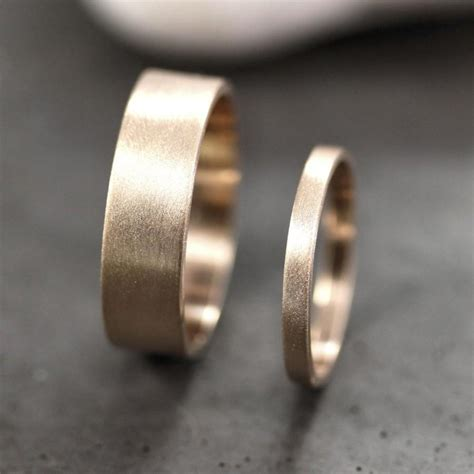 Eheringe 3 Mm by Gold Wedding Band Set His And Hers 6mm And 2mm Brushed