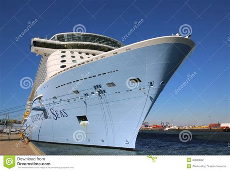 royal caribbeans newest ship newest royal caribbean cruise ship quantum of the seas