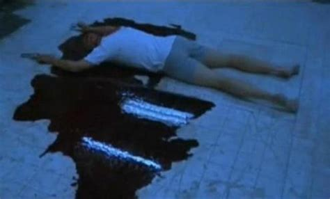 saw bathroom scene for how many days did tobin bell lie on the floor to shoot