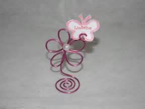 marque place fleur en fil aluminium fuchsia avec 233 tiquette