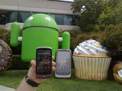 android statues nexus one against the nexus one statue stealthcopter