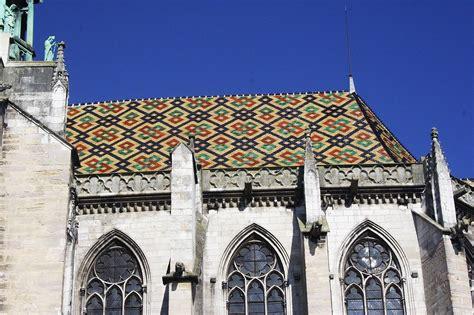 Tuile De Bourgogne by Cath 233 Drale Ste B 233 Nigne Toit En Tuiles Verniss 233 Es De