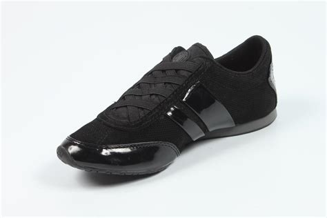 dkny athletic shoes dkny shoes womens 28 images dkny s sneakers