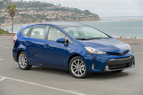 Pirus V 2017 toyota prius v review ratings specs prices and