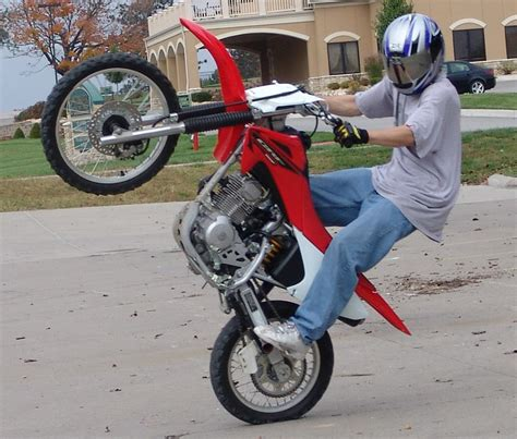 how to wheelie a motocross bike image gallery wheelie bikes
