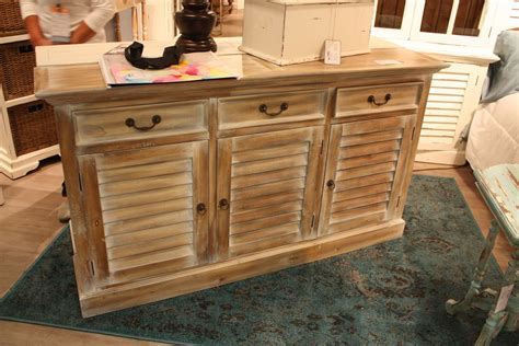 distressed shabby chic furniture the secrets distressed furniture and shabby chic decors