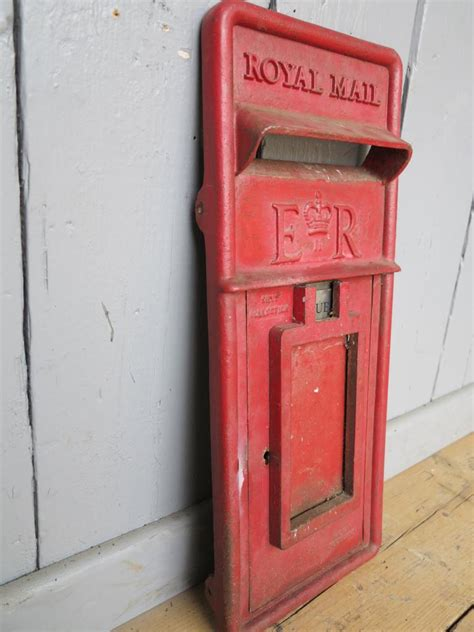 royal mail post office er post box front 6367
