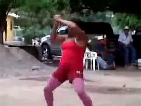 la mujer del cultivador 8491044108 el baile de la mujer mas ridicula del mundo youtube
