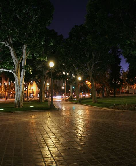 Los Angeles City Hall Park Turns Greener With Led Lighting Park Cities Lights