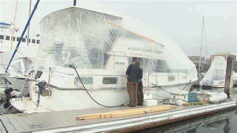 newscentermaine living on a boat during the winter - Living On A Boat In Winter