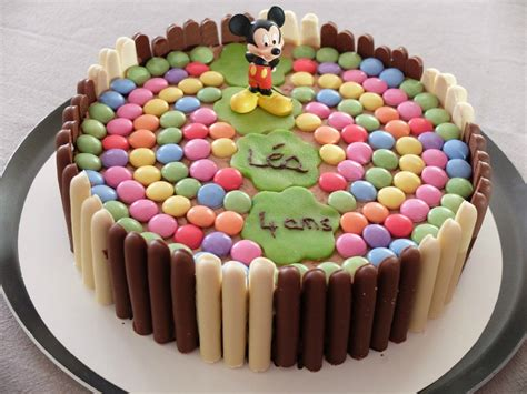 Decoration Gateau Anniversaire Mickey by G 226 Teau D Anniversaire Aux Fingers Et Smarties Th 232 Me Mickey