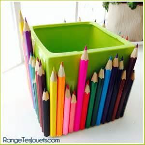 les 25 meilleures id 233 es de la cat 233 gorie pots 224 crayons sur