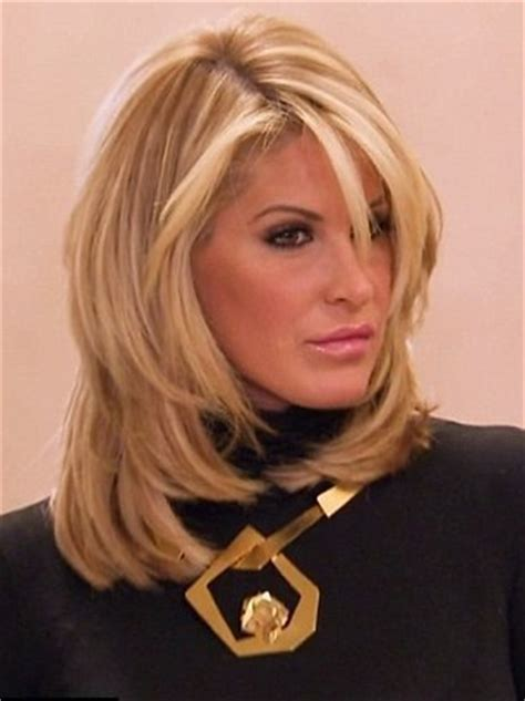 the real hair bosses of atlanta like the river salon kim zolciak takes off wig to prove she s not bald daily