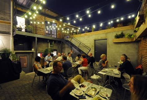 Restaurants With Rooms In Dc by Where To Eat On 11th In Columbia Heights