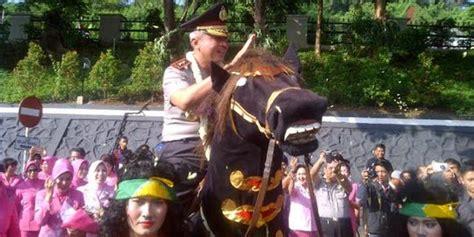 Sho Kuda Di Mahmud Bandung tunggangi kuda poni irjen condro kirono siap pimpin polda