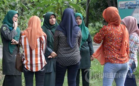 Kaos Islami A30 Muslim Soldier universitas gunung leuser larang mahasiswi berpakaian