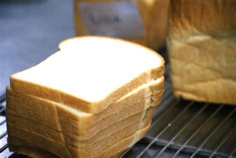 membuat roti tawar tips  trik