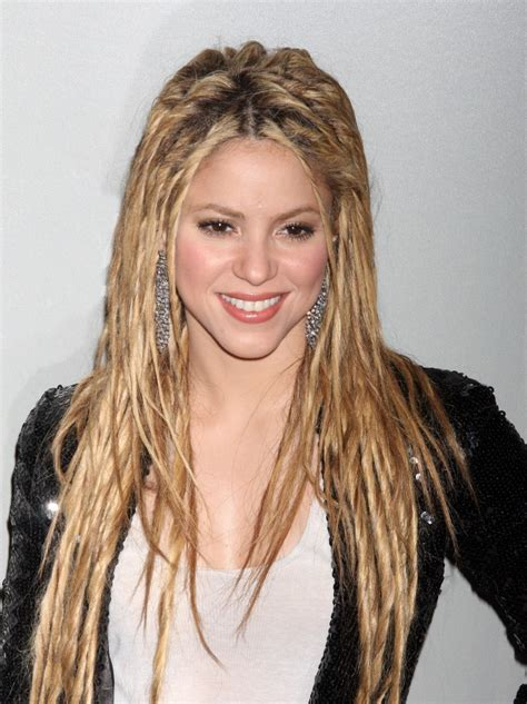 what color is shakira hair 2014 shakira new haircut 2017 and hair color photos celebrity
