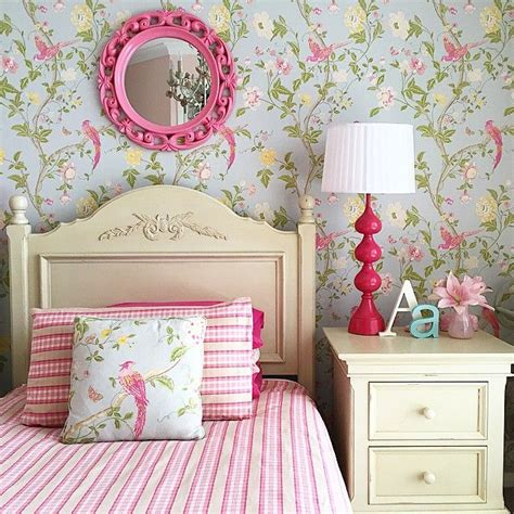 girls bedroom wallpaper ideas 25 best ideas about girls bedroom wallpaper on pinterest