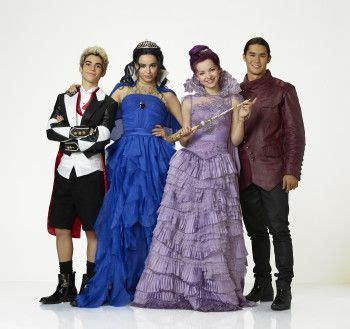 film disney yang dibintangi demi lovato 203 best images about descendants 2015 on pinterest