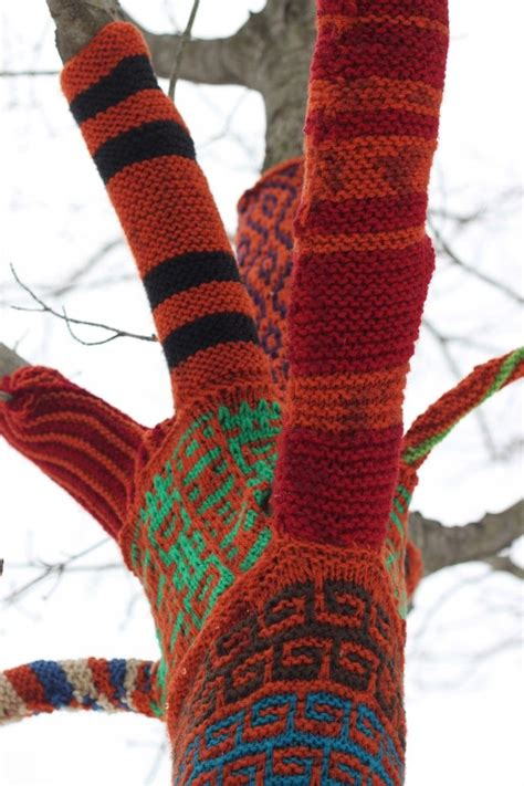 guerilla knitting 1000 images about yarn bombing on buses