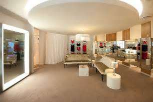 big in dressing room retail chain n brown installs size fitting rooms at simply be store daily mail