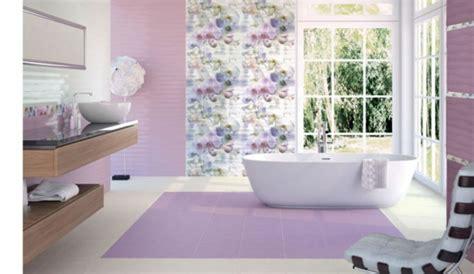 lila und graues badezimmer fliesengestaltung im bad coole badezimmer bilder