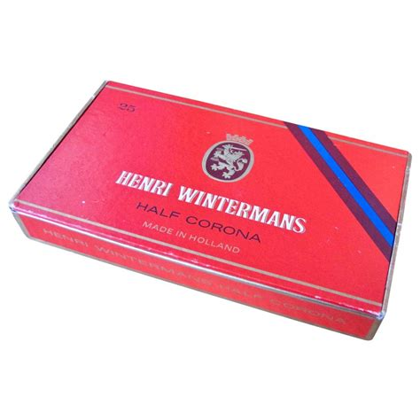 Cerutu Henry Winterman Half Corona 1 prop hire henri wintermans half corona cigar box