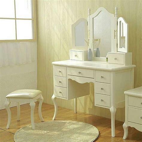 Meja Rias Warna Putih meja rias klasik duco putih jepara cahaya mebel jepara