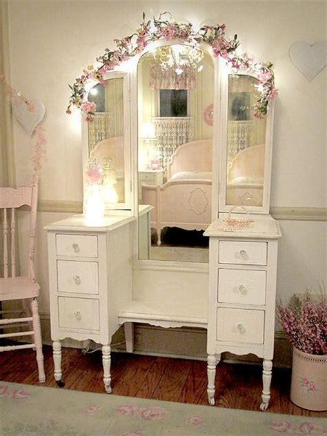 Shabby Chic Vanity Light Best 25 Antique Makeup Vanities Ideas On Vintage Makeup Vanities Antique Vanity