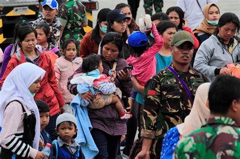 warga asli papua  wamena justru melindungi pengungsi