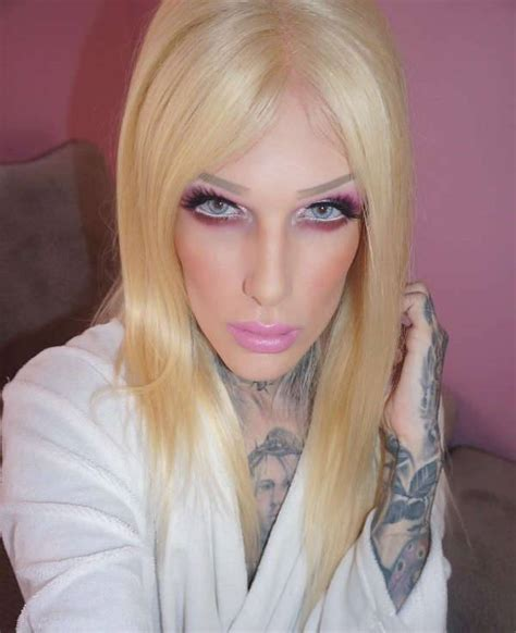 male beauty bloggers redefine makeup goals design