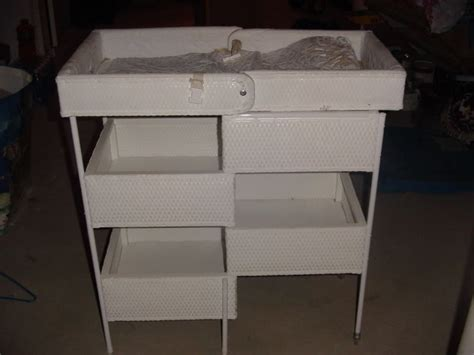 Folding Changing Table For Baby We Got A Vintage Folding Wicker Changing Table Like This For 7 At A Yard Sale I M Re Lining